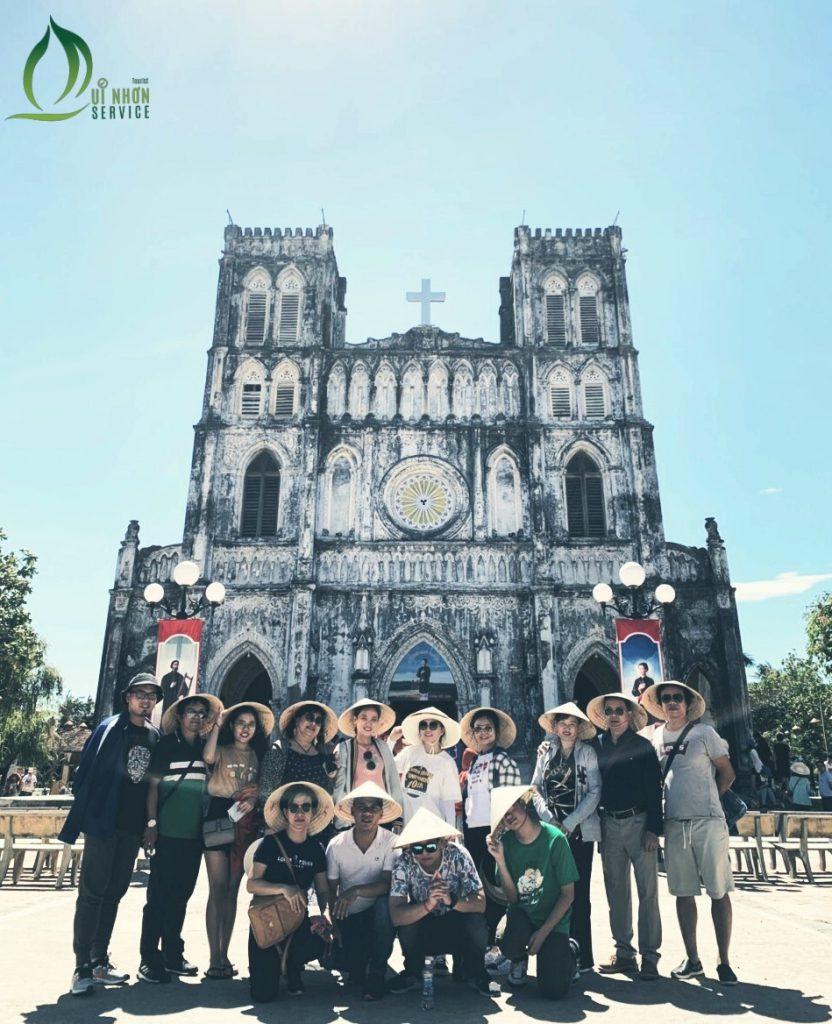 Family Going To Phu Yen