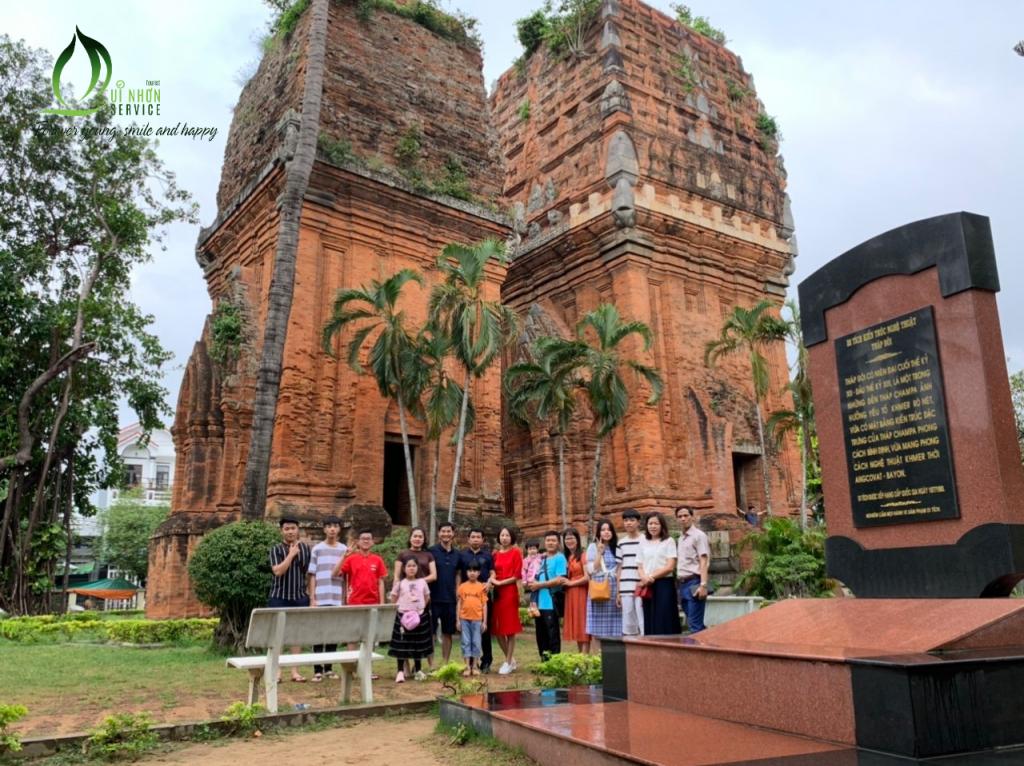 Tháp Đôi Quy Nhơn - Tour Tây Sơn