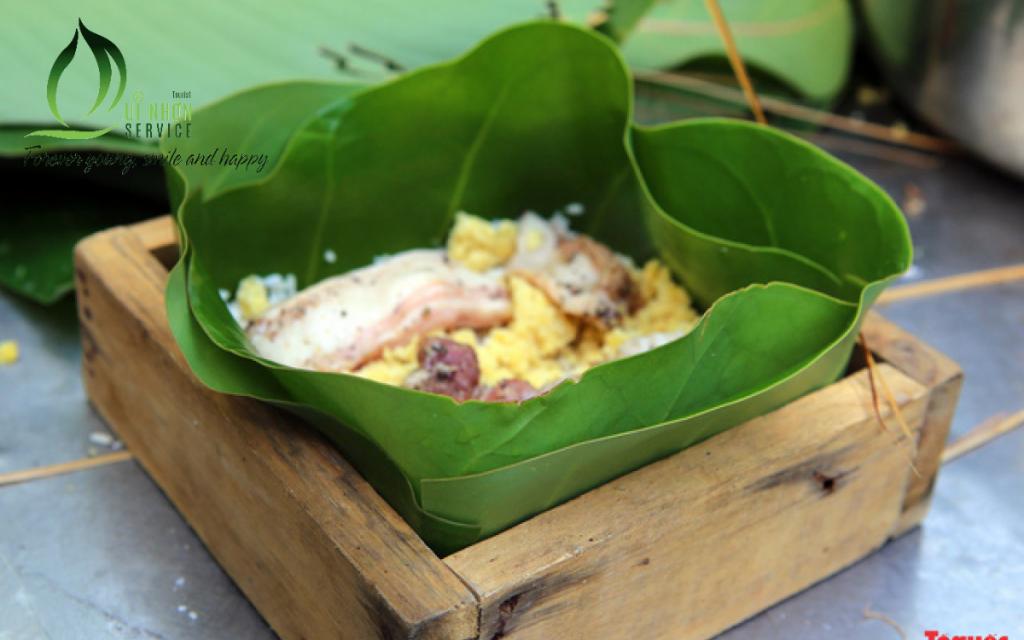 Lá bàng vuồn được dùng gói bánh chưng ngày tết