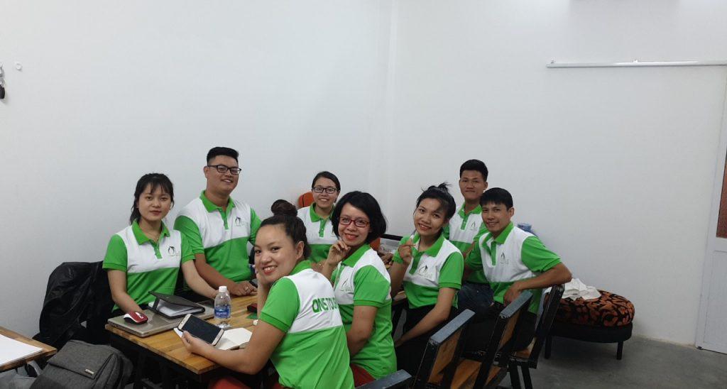 Đội ngũ lái xe và tư vấn của Quy Nhơn Service