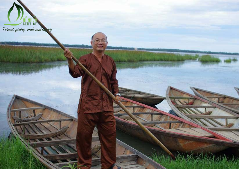 Khách Hàng QNS Tourist Tập Chống Thuyền Trên Đầm Trà Ổ