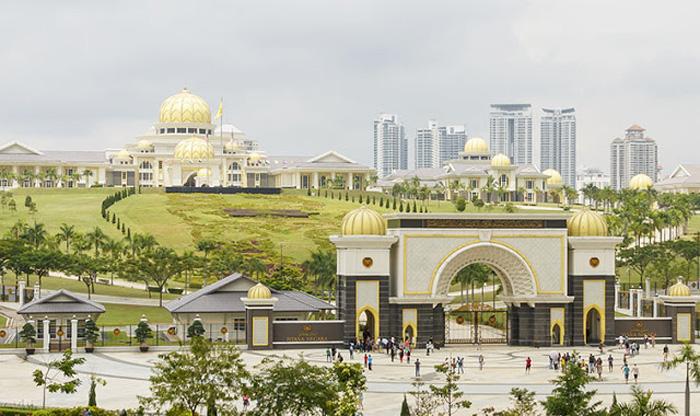 Cung điện Hoàng Gia Malaysia - Tour Đà Nẵng Singapore Malaysia