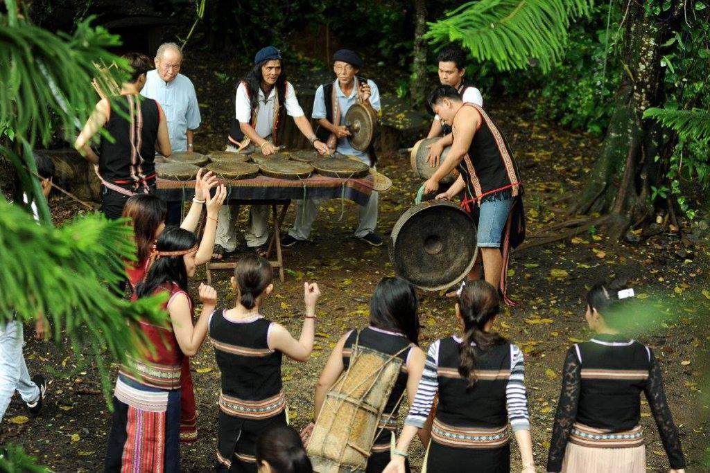 Điểm giao lưu văn hóa và bảo tồn nhạc cụ truyền thống dân tộc Kontum